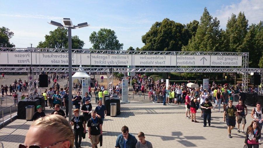 Gamescom 2015 Entrance